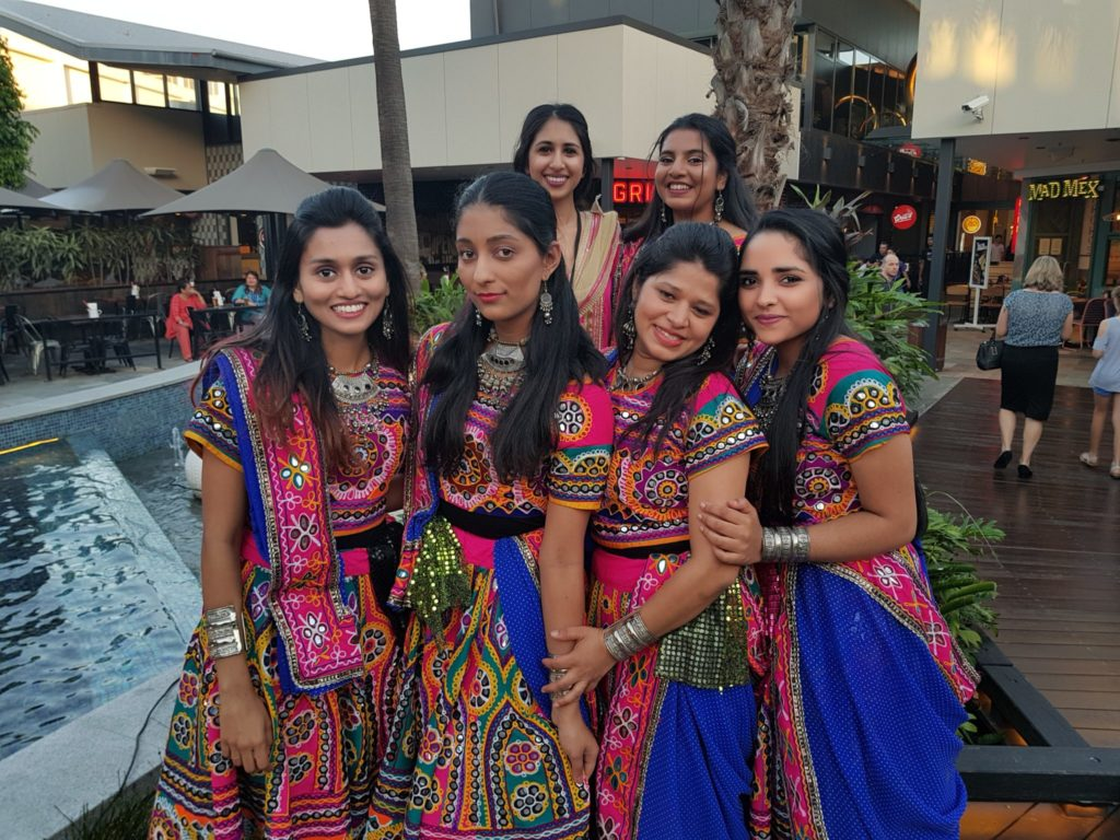 Bollywood dancers3