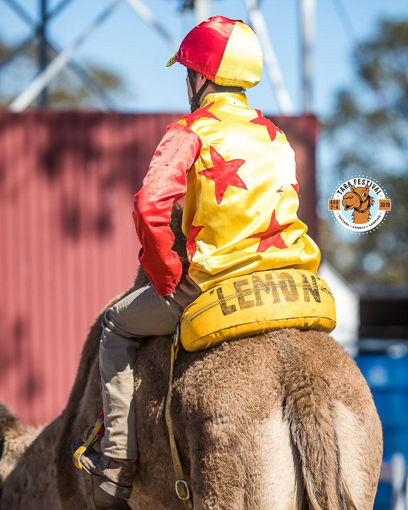 TC910025-Troy Richardson and 'Lemon'in the mounting yard for the 3rd Heat of the 400m sprint series